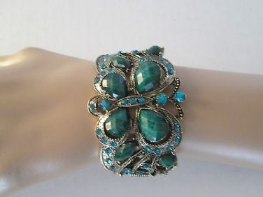 Brand New Style High Fashion Green Bangle Bracelet With Blue Rhinestones