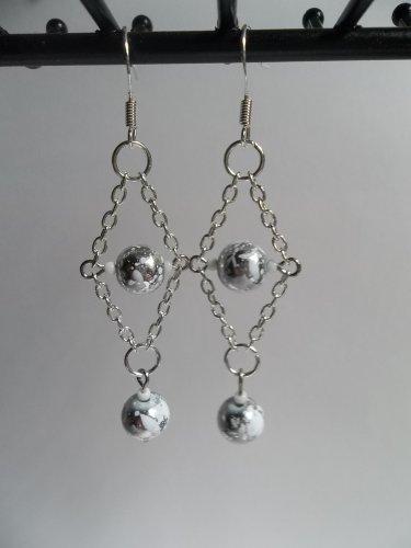 Silvery white paint splatter beaded diamond chain dangle earrings