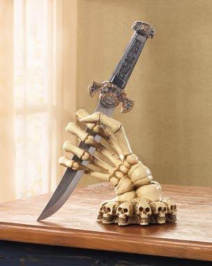 Skeleton Hand Base With Knife - MM36301