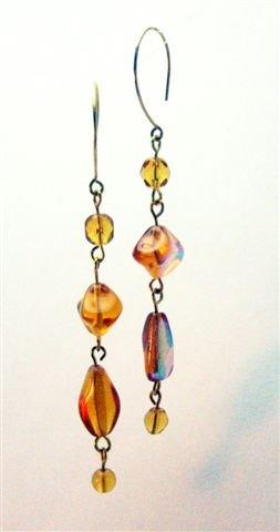 Gold Queen Earrings - UEgq