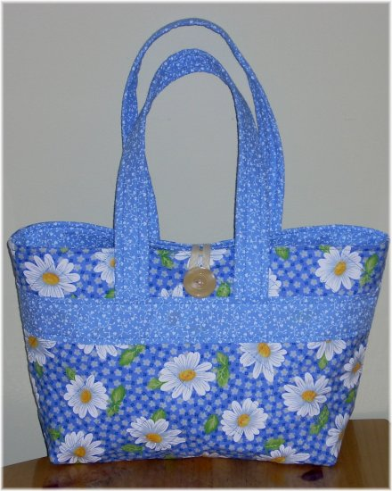 Blue Daisy Quilted Purse - KK01223333