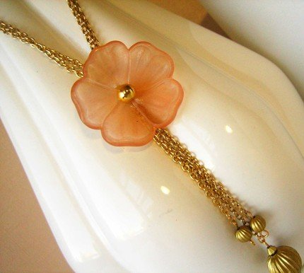 Peach Petunia Necklace - UEpp