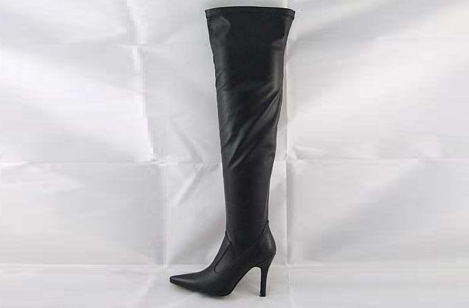 LADIES THIGH HIGH GLAMOUROUS AND SEXY BOOTS BLACK