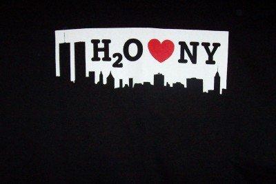 H2O T-Shirt Heart NY Logo Black Size Medium