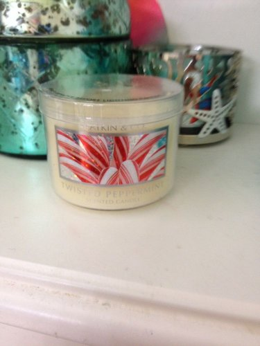 Bath and Body Works Mini Twisted Peppermint Candle 1.6oz plastic lid