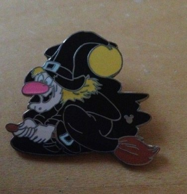 Authentic Disney World Wicked Witch on Broom 2007 Pin $14.99
