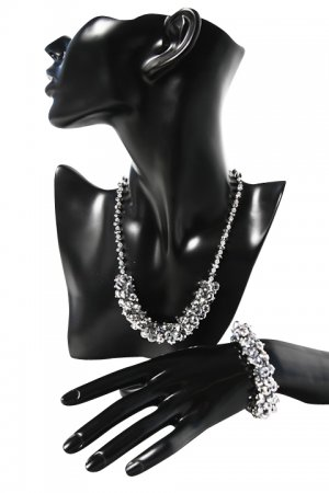 SILVERISH-GREY JEWELLERY SET WITH SPARKLING CRYSTALS
