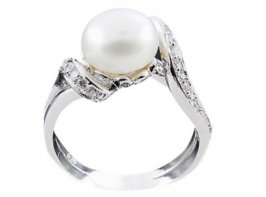 Stunning 925 Sterling Silver Freshwater Pearl Ring Size 9(S)