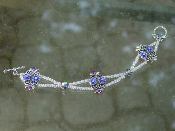 Vintage style beaded bracelet