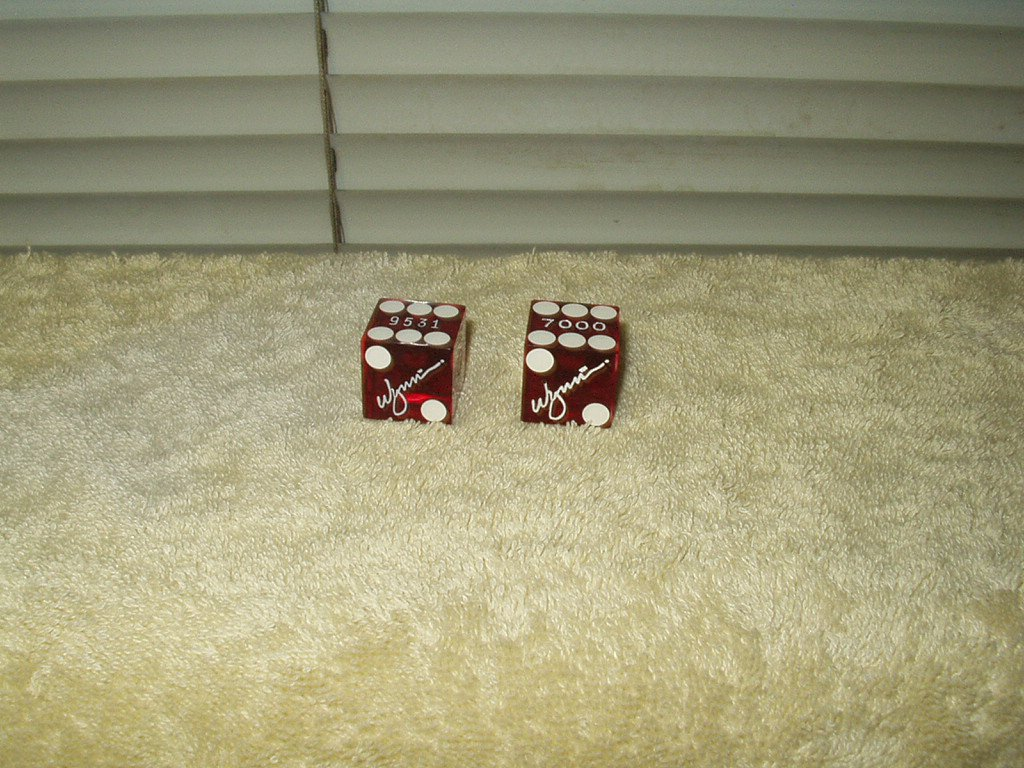 wynn hotel casino las vegas real retired pair of dice gloss red