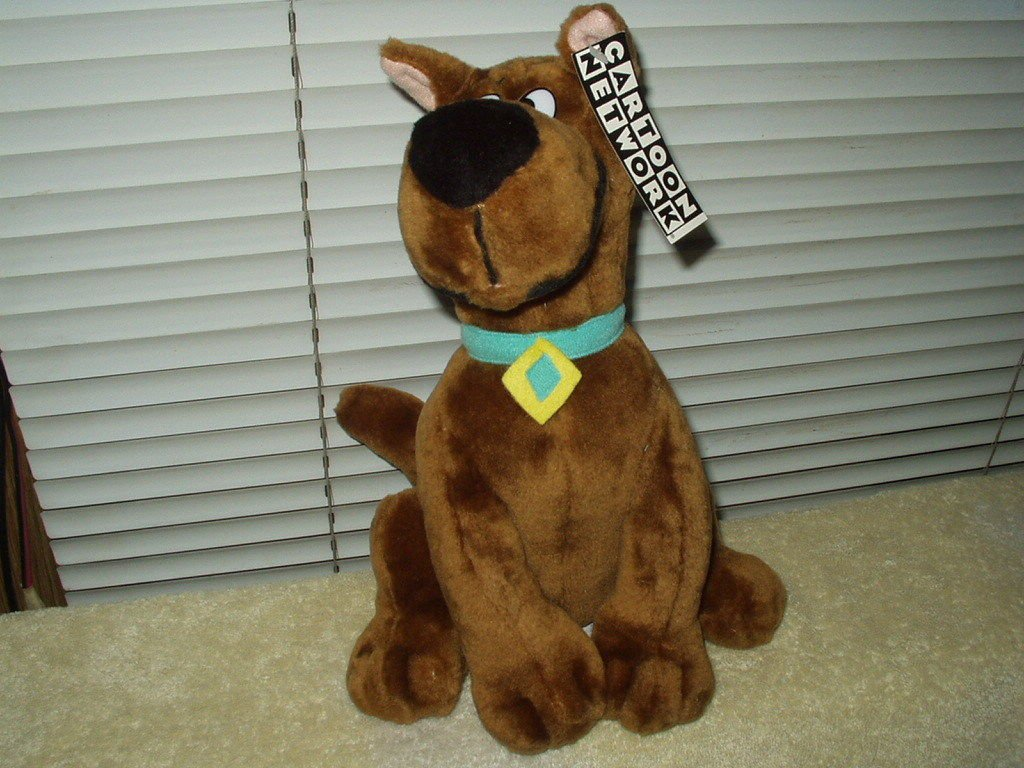 """SCOOBY DOO LICENSED PLUSH 11"""" PLAY BY PLAY....CARTOON NETWORK GOOD QUALITY"""