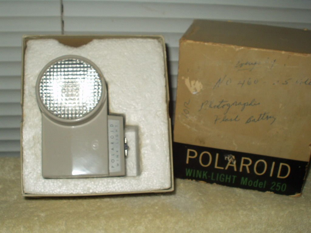vintage polaroid wink light model 250 & battery + model 256 camera flash