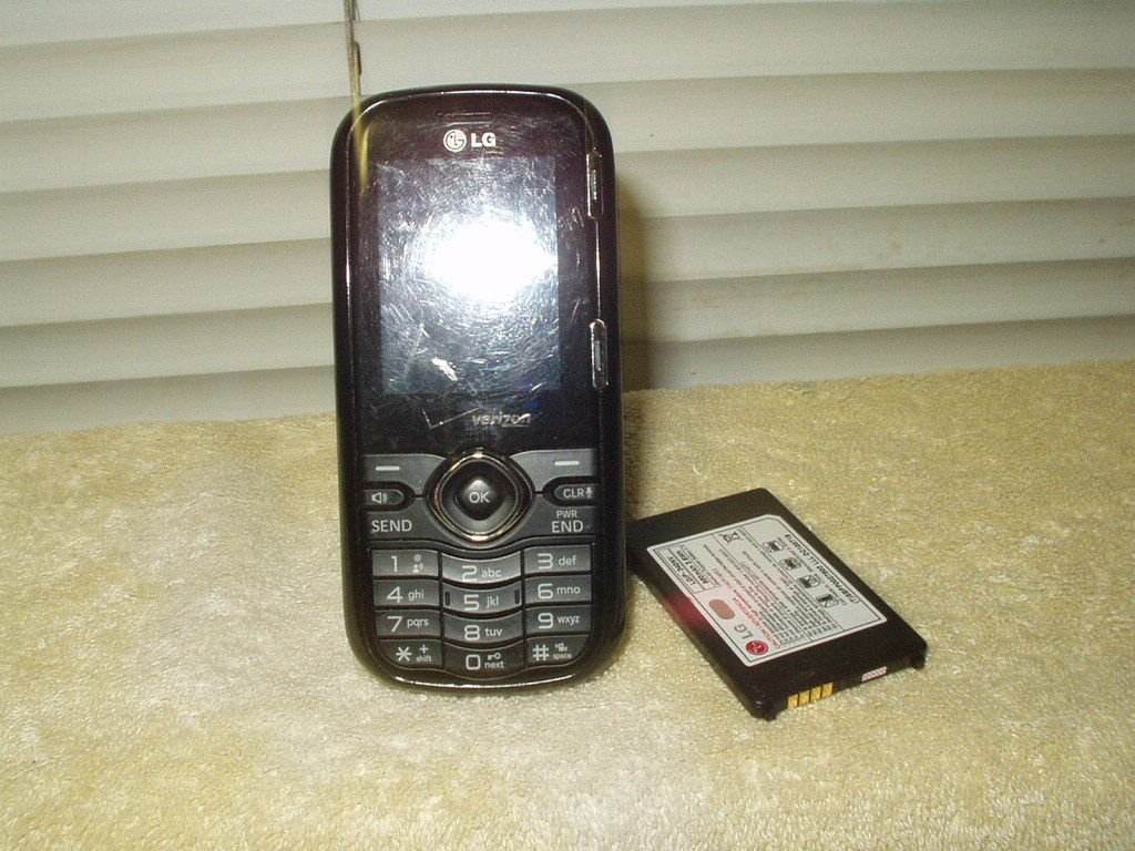 verizon page plus lg vn250 black slider phone w/ qwerty keyboard tested good+