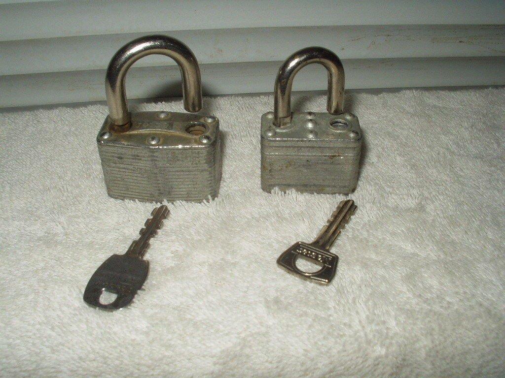 masterlock master lock padlock lot of 2 vintage #22 + another larger size