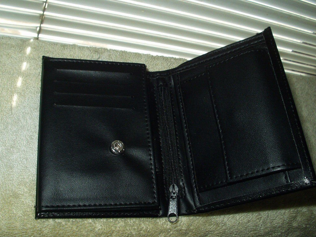 ladies coin purse black billfold wallet 50% bonded leather