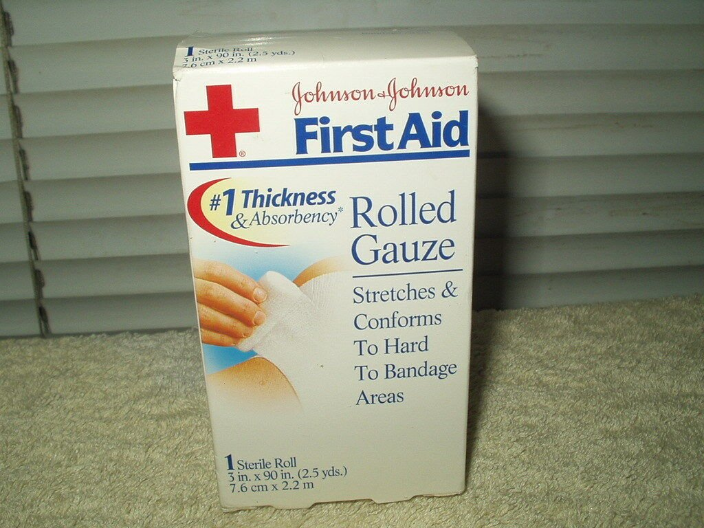 """rolled gauze sealed 3"""" x 90"""" stretches and conforms to hands johnson & johnson"""