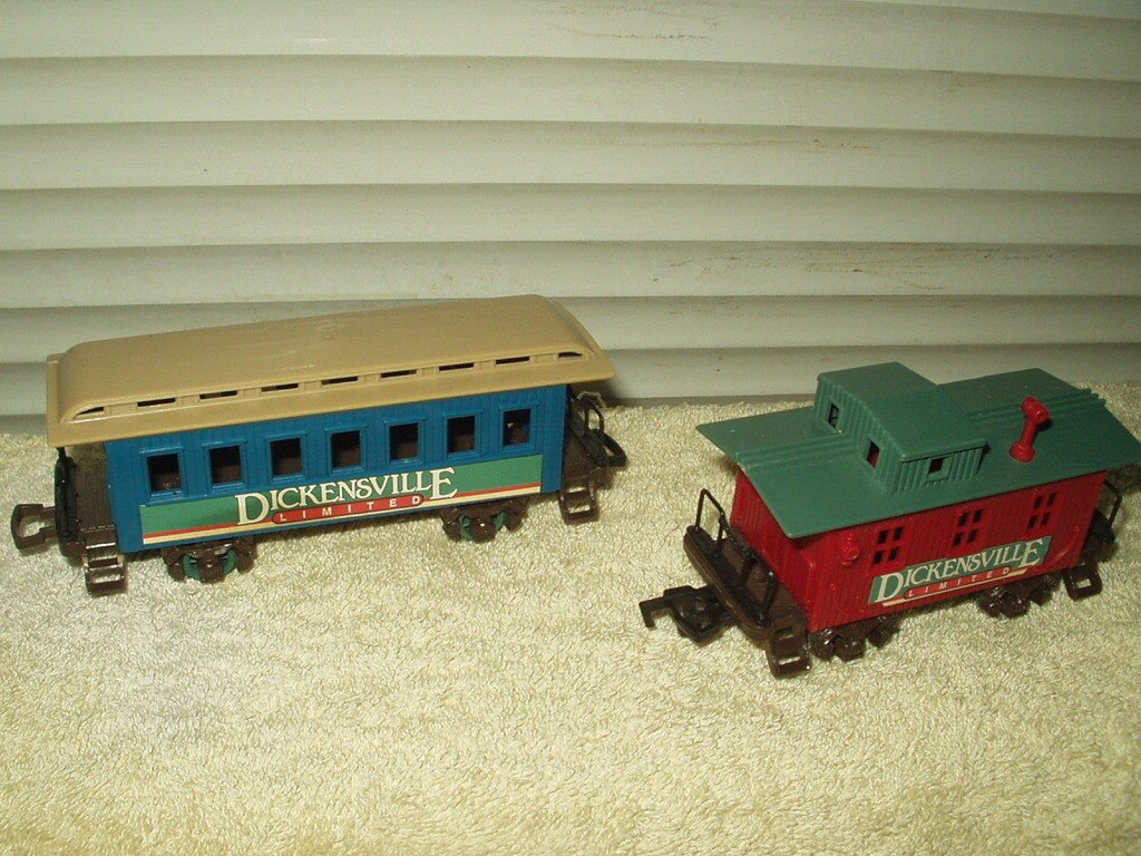 dickensville red caboose & blue passenger train car lot of 2 total
