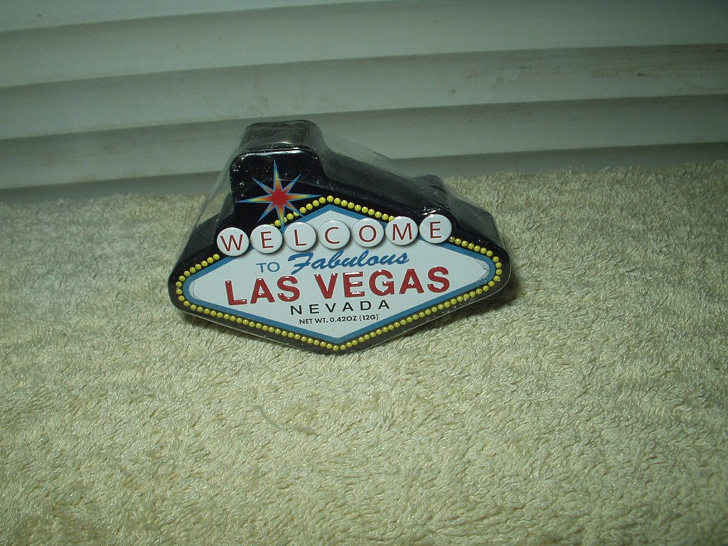"welcome to fabulous las vegas design mints container 3"" x 2"" x 3/4"""