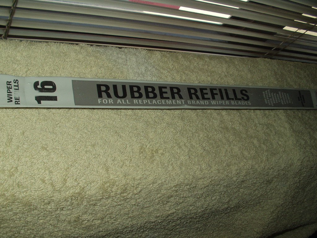 """pylon # 1026 16"""" windshield wiper blade refill set of 2 ea in the box"""