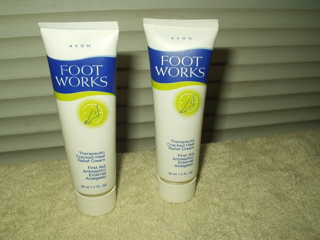 avon footworks therapeutic cracked heel relief cream lot of 2 1.7 oz tubes
