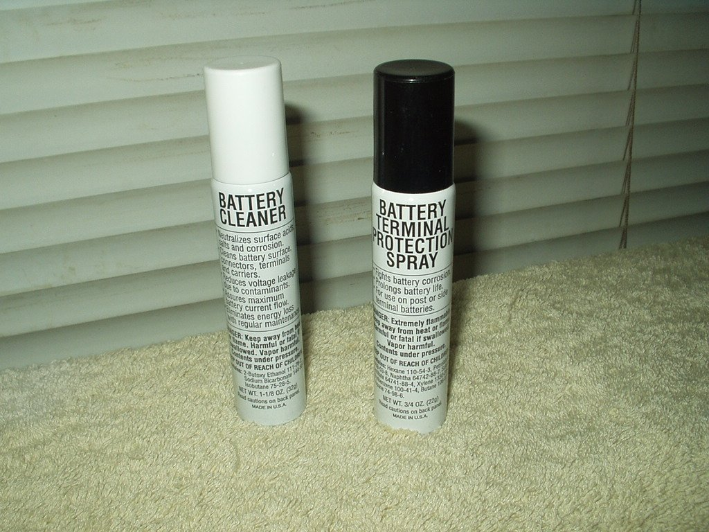 e.p.m. products battery terminal cleaner & protection spray