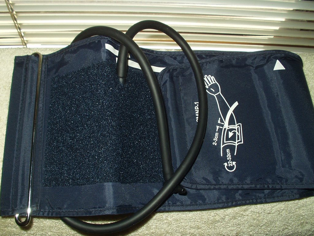 blood pressure monitor cuff only universal type: acmnp-1 adult size from a mabis 04-206-001 meter