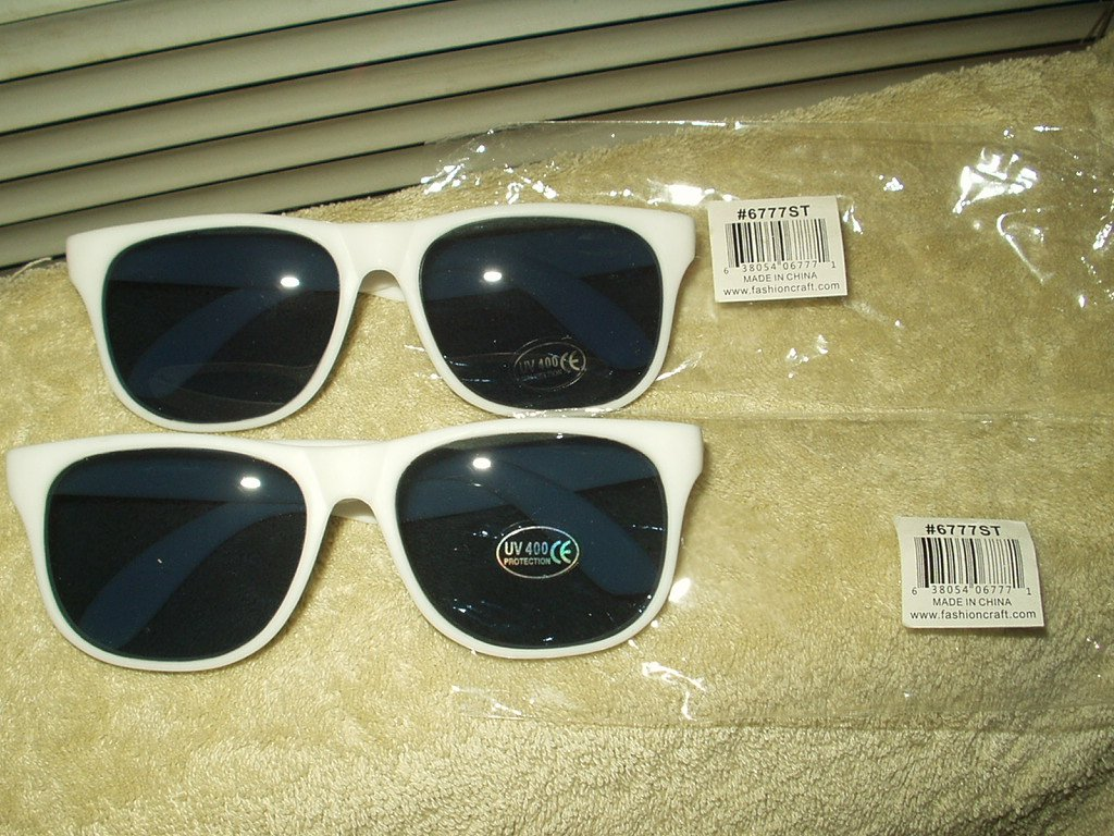 white sunglasses from fashioncraft lot of 2 each #6777st uv 400 protection