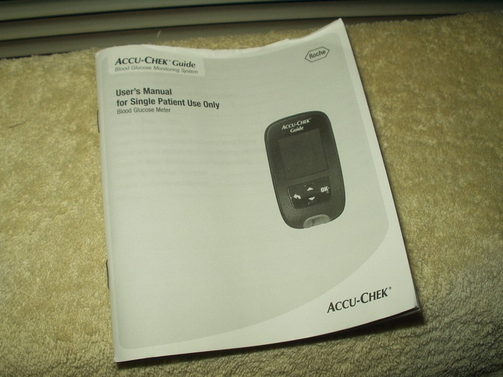 accu-chek guide users manual  only in english