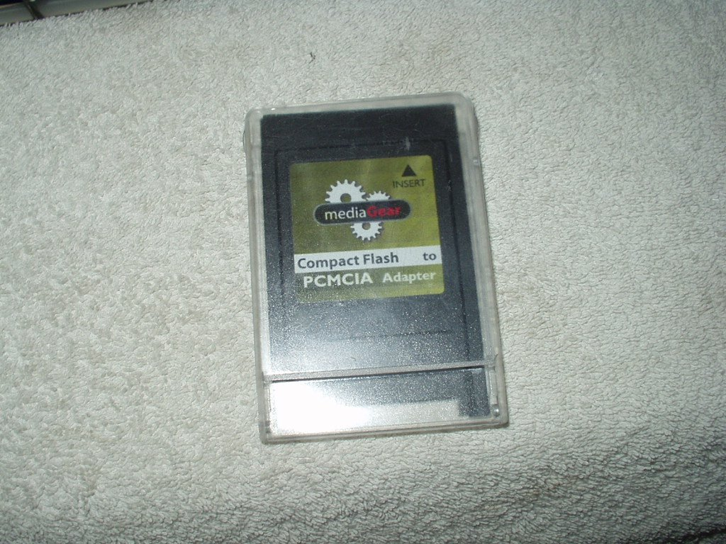 compact flash to pcmcia adapter mediagear brand w/case