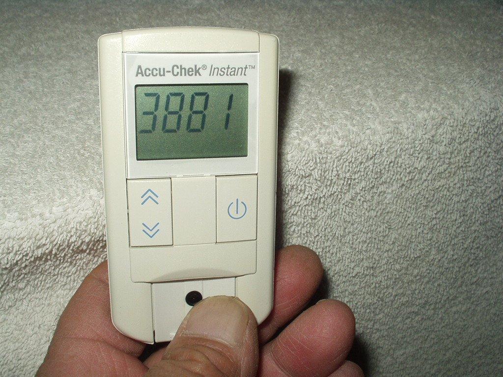 vtg accu chek instant blood glucose meter only