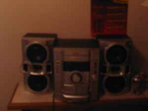 Sony 3disc stereo 400 watts of power
