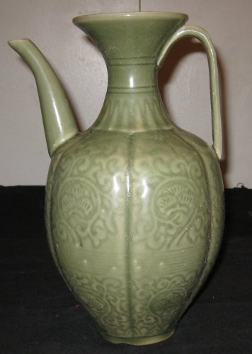QING DYNASTY LONGQUAN WARE PORCELAIN WINE POT, FLOWER PATTERN, 19TH CENTURY