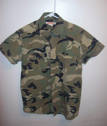 Children Army fatigue/camouflage unisex shirt by Drill. xl