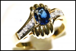 Blue Sapphire Solitaire Unique Diamond 18K Yellow Gold Ring [RS0022]