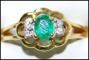 Emerald Diamond Solitaire Genuine 18K Yellow Gold Ring [RS0199]