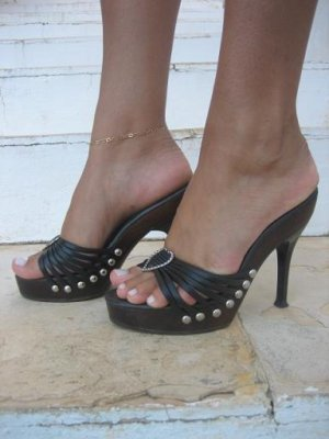 women shoes black stud