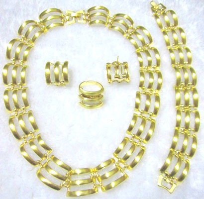 Gold Stripes African Jewelry 4 Set