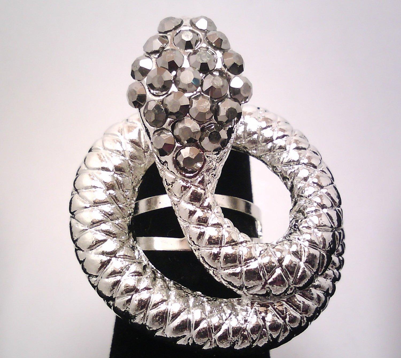 Black Snake Fashion Ring