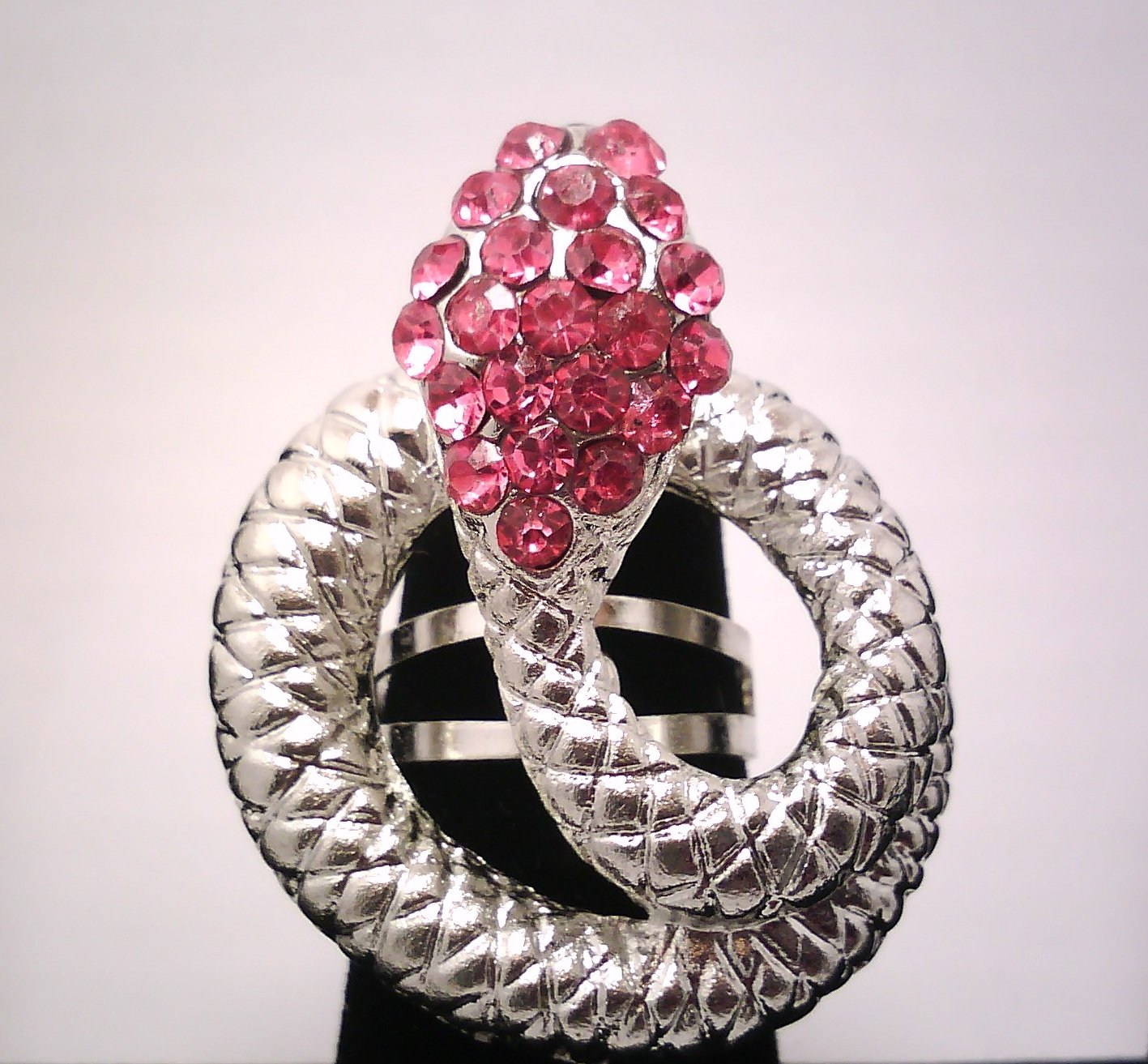 Pink Snake Fashion Ring