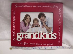 """GRAND KIDS BRAG WOODEN 6""""x 4"""" PHOTO FRAME RED/WHITE TABLE TOP OR HANG NEW"""