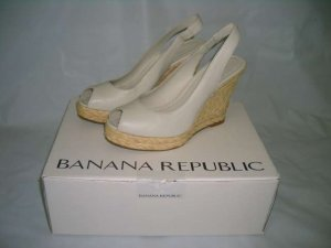 BANANA REPUBLIC CHALK LEATHER WEDGE ESPADRILLE SANDAL