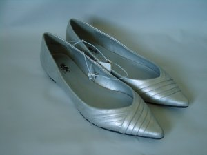MOSSIMO SILVER FLAT SHOES