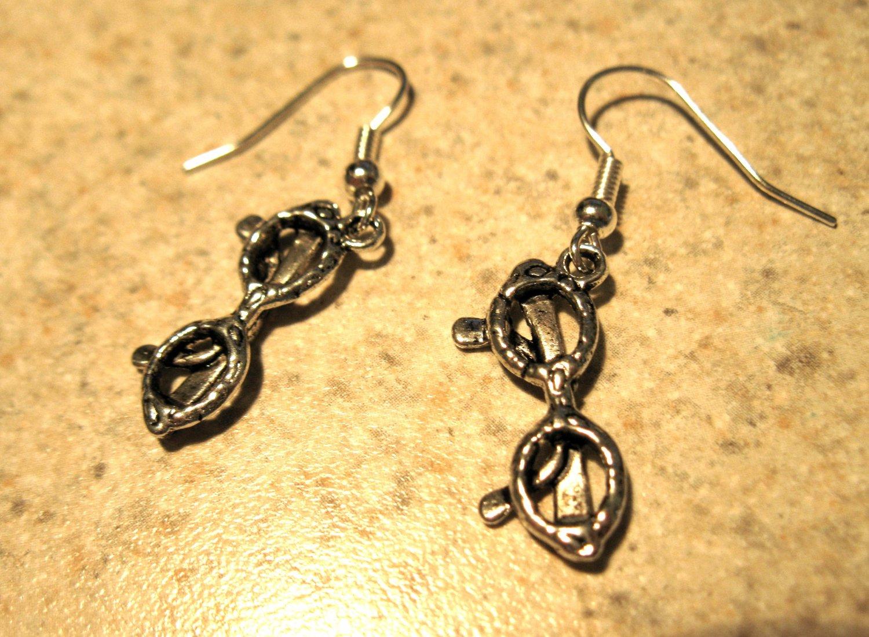 Earrings Pierced Tibetan Silver Sunglasses Charm NEW #455