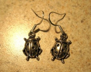 Earrings Tibetan Silver Lady Bug Charm Pierced Dangle NEW #738