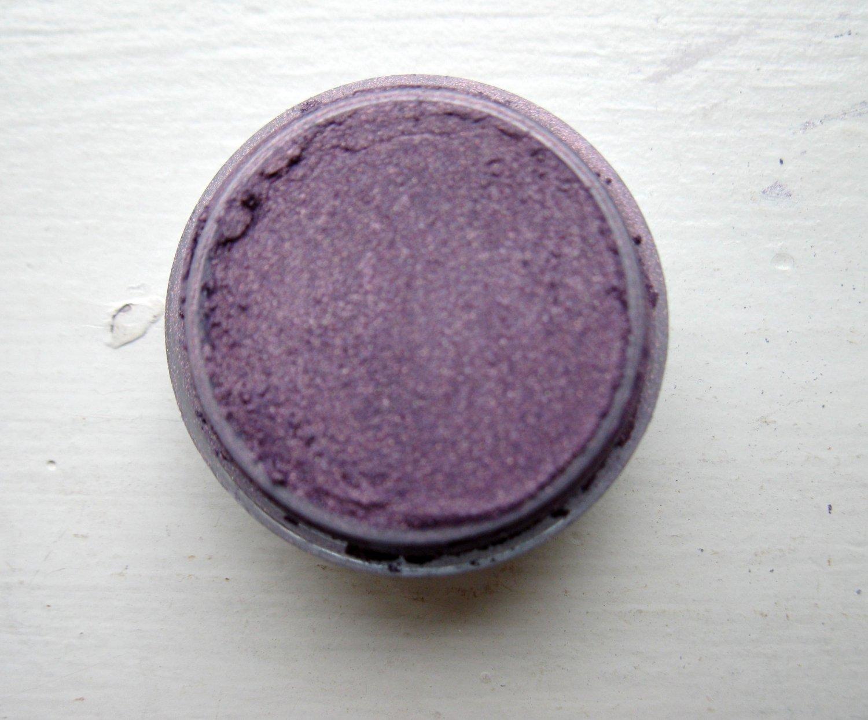 Minerals Eye Shadow 5 Gram Shade: ICED LILAC  #137