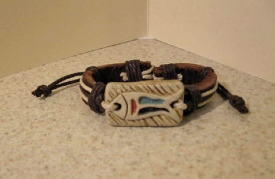 Bracelet Unisex Brown Leather with Fish Carving Punk Style HOT! #576