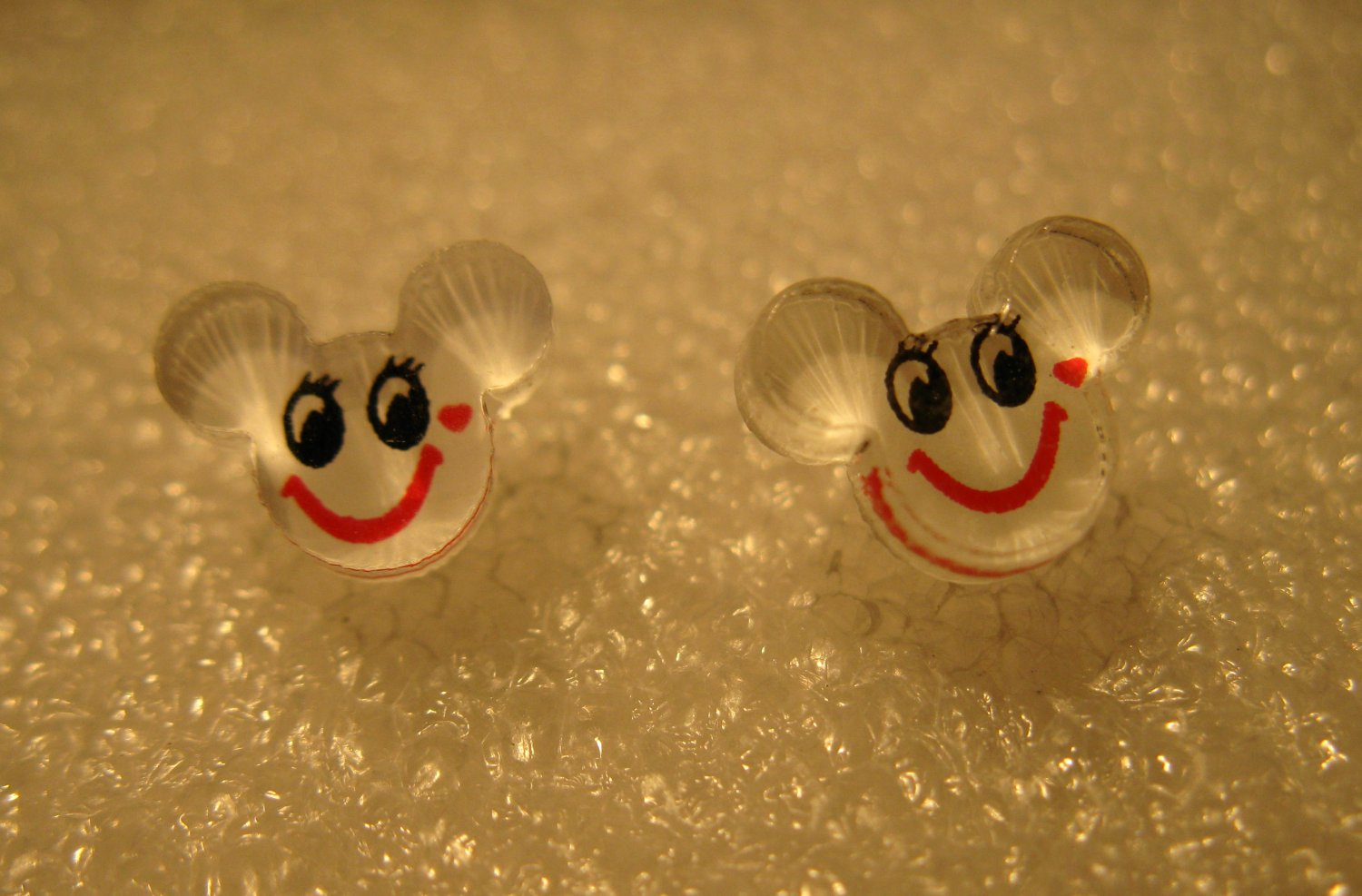 Adorable White Mickey Mouse Stud Earrings for Children NEW #613C