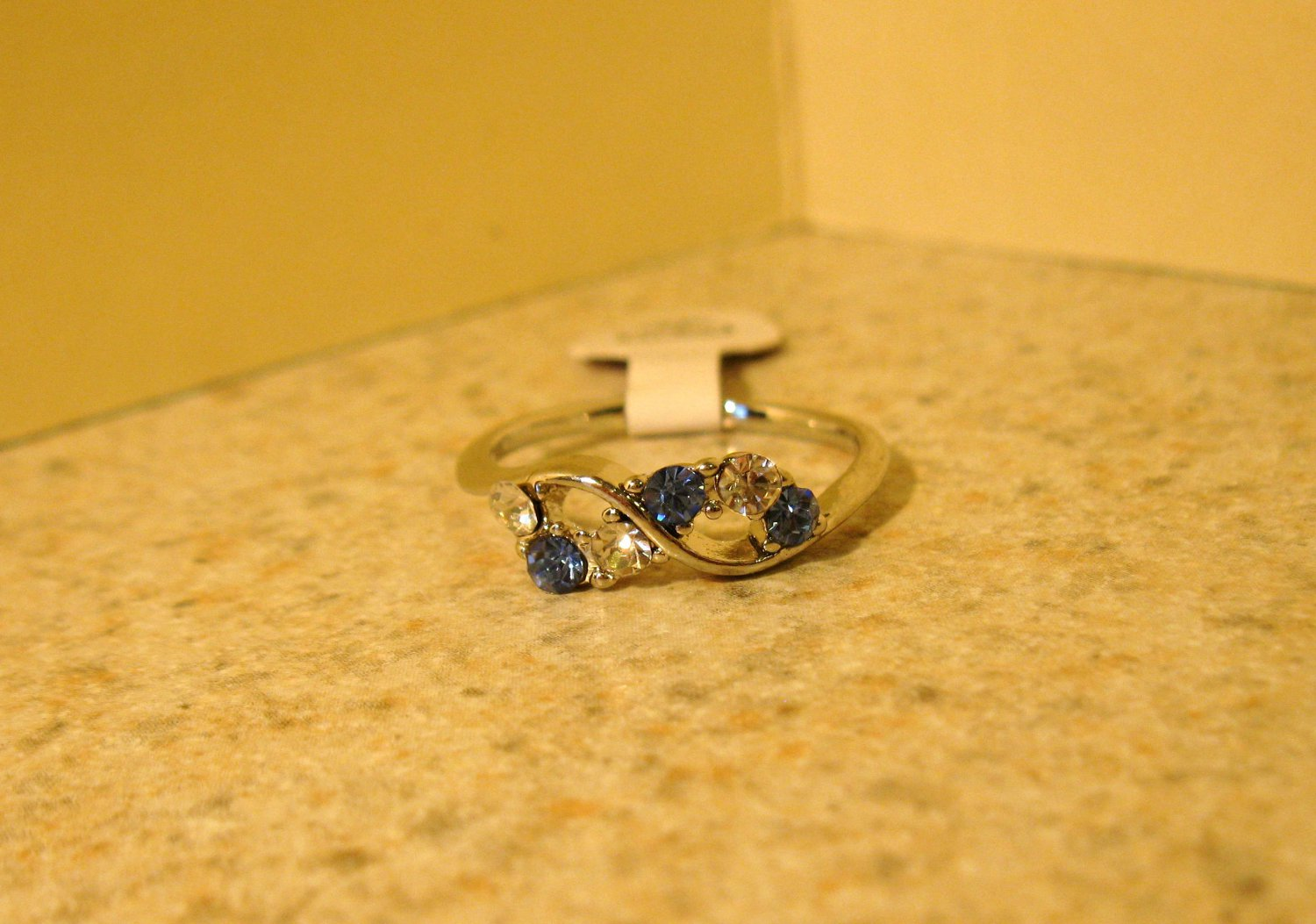 Ring Beautiful Blue & White Topaz Size 7 New! #210