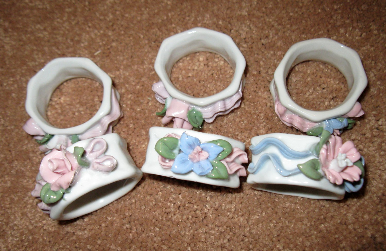 Beautiful White Flower Design Ceramic Napkin Rings X6 NICE! #D177