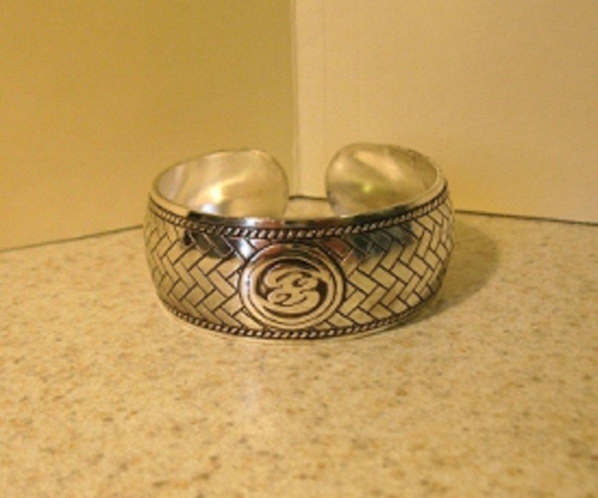Bracelet Silver Plated Carved Brick Work Design Cuff Bangle New #155